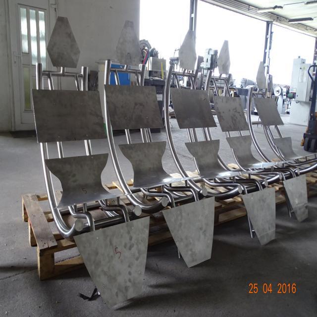 lakatosipari munkák  Egyedi szálcsiszolt rozsdamentes székváz